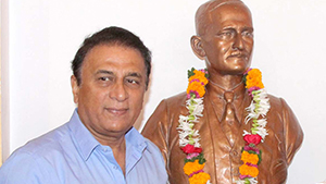 Legend Cricketer Sunil Gavaskar visits Deccan Gymkhana.